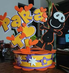 Crafts To Do, Diy Crafts, Creative Gifts, Ideas Para, Cake Toppers, Activities For Kids, Minnie Mouse, Retro, Birthday