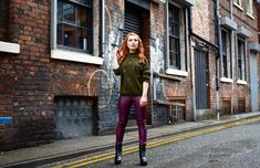 How to master smart-casual dressing this winter Manchester Northern Quarter, Leather Jeans, Smart Casual, Cosy, The Twenties, Jumper, Casual Dresses, Winter Fashion, Stylish