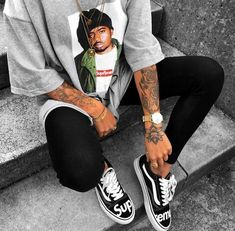 baddie outfits with white jeans Tomboy Outfits, Chill Outfits, Tomboy Fashion, Dope Outfits, Swag Outfits, Fashion Killa, Streetwear Fashion, Trendy Outfits, Summer Outfits