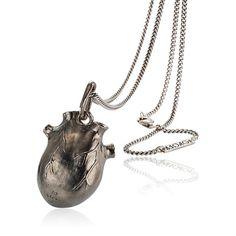 Anatomic Heart, oxyderet sølvvedhæng, kæder fra Bjørg | Dirks Design