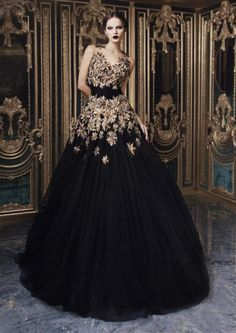 Rami Kadi Second Edition Rami Kadi Haute Couture - hand embroidered black tulle --- A.fabulous backdrop, with glamour featured dresses - very great gatsby like! Style Couture, Couture Fashion, Dress Fashion, Net Fashion, High Fashion, Womens Fashion, Beautiful Gowns, Beautiful Outfits, Elegant Dresses