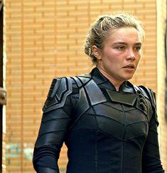 Black Widow Film, Yelena Belova, Marvel Clothes, Les Gifs, Red Bodysuit, Shawn Johnson, Florence Pugh, Pew Pew, Girl Gifs