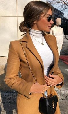 20 Warm Work & Office Outfits Ideas for Women When It's Cold - Work Outfits Women - Business Attire Winter Fashion Outfits, Look Fashion, Autumn Fashion, Womens Fashion, Fall Outfits, Fashion Clothes, Classy Fashion, Fashion Coat, October Outfits
