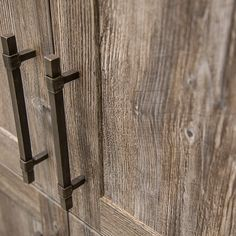 Egger melamine kitchen cabinet door with rustic handle Kitchen Cupboard Doors, Kitchen Hardware, Kitchen Cabinets, Wine Cellar, Rustic Kitchen, Kitchen And Bath, Rustic Furniture, Kitchen Remodel, Door Handles