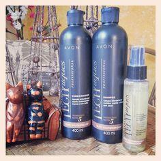 A #AvonBR está lançando a linha #AdvanceTechniques Óleo Cauterização, que é Shampoo, Condicionador e Óleo de tratamento com a tecnologia Nutri 5 que é composta por um complexo de 5 óleos que nutrem os cabelos intensamente! O preço é de R$22,99 - Shampoo (400ml) | R$24,99 - Condicionador (400ml) | R$24,99 - Óleo de tratamento (90ml). #testeiEvoce