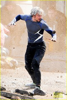 Elizabeth Olsen & Aaron Taylor-Johnson: 'Avengers 2' Set Photos! | elizabeth olsen aaron taylor johnson avengers 2 set photos 24 - Photo