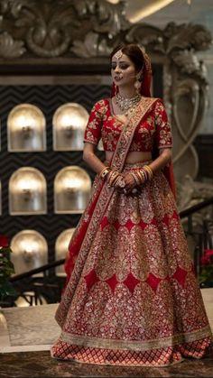 Indian Bridal Photos, Indian Bridal Outfits, Indian Bridal Wear, Indian Designer Outfits, Indian Dresses, Bridal Dresses, Indian Bridal Hairstyles, Indian Wear, Wedding Lehenga Designs