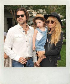 An English Garden Party....Rachel, Skyler and Roger at Gwyneth Paltrow's Hampton's Party. #simonsheridan #hamptonsexquisitefood