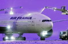 Air France Boeing 777 de-icing