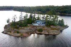 Paradise is just a boat ride away. Rent an entire island at a surprising reasonable price for an amazing vacation in Ontario. Kayaks, Oh The Places You'll Go, Places To Visit, Ontario Cottages, Water Island, Ontario Travel, Destinations, Belle Villa, Destination Voyage