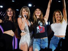 LILY ALDRIDGE, TAYLOR SWIFT, BEHATI PRINSLOO AND CANDICE SWANEPOEL AT TAYLOR'S 1989 CONCERT IN NJ