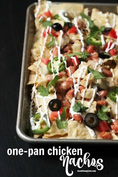 Feed a crowd and your hunger for loaded nachos all in one fell swoop. This One-Pan Chicken Nachos recipe will have you set for success. One Pan Chicken, How To Cook Chicken, Cooked Chicken, Chicken Nachos Recipe, Chicken Recipes, Appetizer Recipes, Snack Recipes, Appetizers, Yummy Recipes
