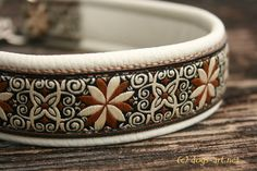 dogs-art Pinwheel Zinnia Martingale Chain Leather Collar in creme/camel/creme-brown. $22.99, via Etsy.