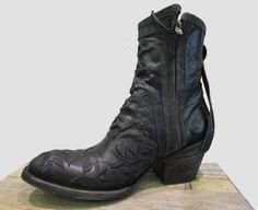MEXICANA Bottes santiag en cuir noir et franges modèle MAMACITA