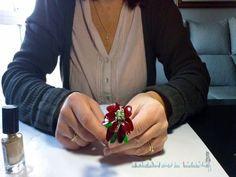 Cómo hacer flores de Navidad con alambre y esmalte - YouTube