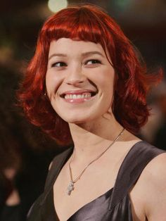 Franka Potente-always loved her hair in Run Lola Run Deep Red Hair Color, Dark Red Hair, Franka Potente, Fall Hair Colors, Young Actresses, Beauty Shots, Dream Hair, Most Beautiful Women, Pretty Face