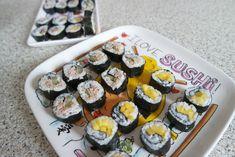 Zelf sushi maken is zo moeilijk nog niet! Ethnic Recipes, Party, Food, Essen, Parties, Meals, Yemek, Eten
