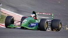 Image copyright                  Getty Images Image caption                                      Schumacher debutó en la Fórmula 1 en Spa, en el Gran Premio de Bélgica, en 1991.                                ¿Qué tienen en común un taxi londinense, una lata de gas lacrimógeno y un prometedor piloto de Fórmula 1 llamado Bertrand Gachot? Todos jugaron un pequeño pero potencialmente significativo papel en el desarrollo del alemán Mich