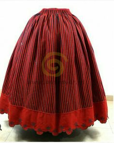 REFAJO ANTIGUO Costumes Around The World, Civil War Dress, Modern Victorian, Aragon, Folk Costume, Fashion History, Beautiful Outfits, Cosplay, Couture