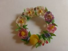 Vintage 1950s Handcrafted Flower Wreath Shell Brooch by papertales