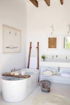 Une couleur zen pour une petite salle de bain