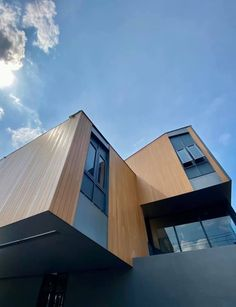 Office Building - Bangkok World Of Concrete, Wind Damage, Wood Facade, Wood Composite, Furniture Factory, Resort Style, Simple Elegance, Beautiful Buildings, Real Wood