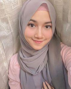 Cute Girl Face, Cute Girl Photo, Girl Photos, Girl Pictures, Muslim Beauty, Muslim Women Fashion, Teenage Girl Photography, Muslim Hijab, Hijabi Girl