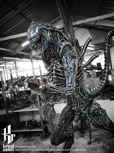 IN STOCK : Recycled Metal Cruel Monster ( 2.45m / 8 ft height ) #alien