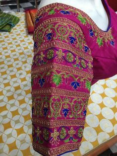 Blouse work designs 55 Latest Maggam Work Blouse Designs that will inspire you - Wedandbeyond What Y Wedding Saree Blouse Designs, Pattu Saree Blouse Designs, Blouse Designs Silk, Latest Maggam Work Blouses, Kutch Work Designs, Hand Work Blouse Design, Cut Work Blouse, Sumo, Mint