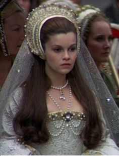 Tudor - Anne of the Thousand Days - Geneviève Bujold as Anna Boleyn