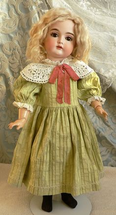 Dollhouse Dolls, Miniature Dolls, Victorian Dollhouse, Modern Dollhouse, Miniature Houses, Old Dolls, Antique Dolls, Doll Toys, Baby Dolls