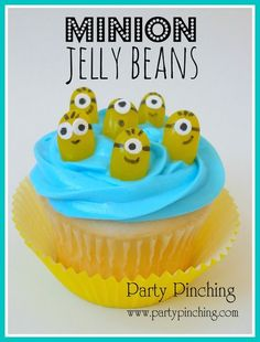 Minion cupcakes, Despicable Me cupcakes, minion candy, minion jelly beans, cute minions snacks, minion party ideas, despicable me party ideas