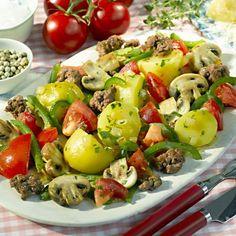 Zöldséges újburgonya darált hússal -- Mindmegette.hu Sprouts, Potato Salad, Potatoes, Baking, Vegetables, Ethnic Recipes, Nap, Minden, Food