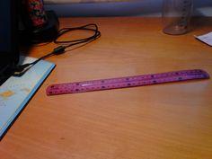 Esta es una regla y sirve para medir la longitud