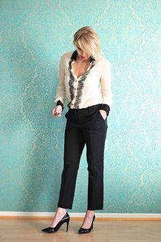 A fashion blog for women over 40 and mature women http://www.glamupyourlifestyle.com/  Blouse: Dolce &  Gabbana Pants: Dorothee Schumacher Shoes: Uterqüe
