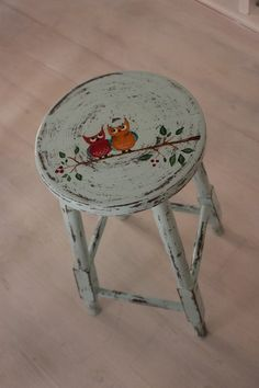 Tabureler Decoupage Furniture, Hand Painted Furniture, Refurbished Furniture, Paint Furniture, Repurposed Furniture, Shabby Chic Furniture, Furniture Makeover, Painted Stools, Wooden Stools