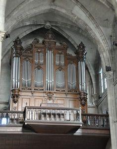 Le grand orgue Cavaillé–Coll dans le transept de l'église Notre-Dame, à Épernay