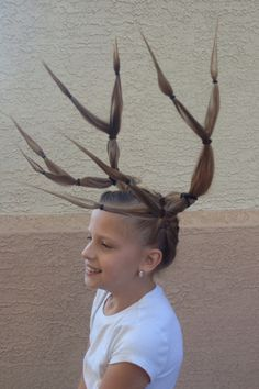 Morgan wanted to have antlers this year. Good thing her daddy is amazing at designing :)