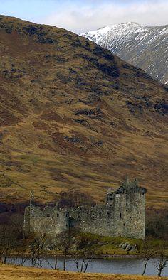 Kilchurn Castle, Loch Awe, Scotland Copyright: Davy Cochrane