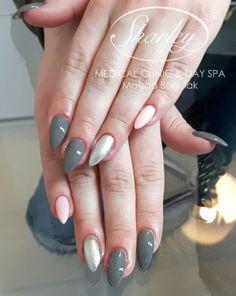 Zadbane paznokcie to podstawa kobiecego wyglądu. W czyim guście jest ten zestaw kolorystyczny?
