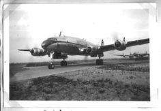 Schiphol 1949 - foto's uit het familiealbum - unique images on http://on.dailym.net/1MWJpIb #1949, #Constellation, #Fokker, #Lockheed, #Lockheed-L1049F-Super-Constellation, #Schiphol, #Topotijdreis