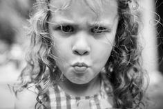 Expression enfantine  #visage #portrait#young #enfant #moue #expression #tete #regard #attitude #mechant #fille #boudeuse #mecontente #child