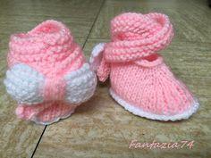 Chaussons bébé tricoté avec nœud papillon naissance : Mode Bébé par fantazia74