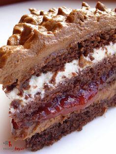 Tarta de trufa fresca (chocolate y nata). Receta de cocina casera elaborada paso a paso, con fotografías en cada uno de los pasos. Receta de postres y dulces.