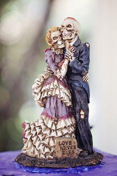 Halloween wedding cake topper, it's icing on the creepy cake!