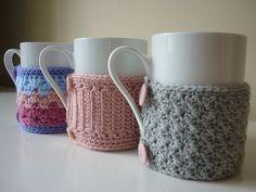 """Enesta parte del planeta ha llegado el frío. Por eso no podíamos dejar pasar la oportunidad para mostrarles esta nueva tendencia: Los """"sweater mugs"""" o abrigos para tazas. Son unos bonitos tejidos que se hacen para colocar en las tazas..."""