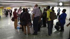 Europa recibe al primer infectado por ébola mientras la epidemia sigue fuera de control en África