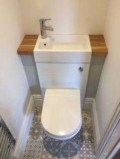 Van Home Layout 793196553102829144 - Mini baño Source by lawrence_boum Small Downstairs Toilet, Small Toilet Room, Small Bathroom Layout, Downstairs Bathroom, Bathroom Renos, Tiny Bathrooms, Tiny House Bathroom, Bathroom Under Stairs, Bathroom Interior Design