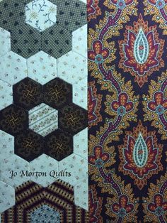How to add border and finish hexagon quilt.
