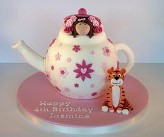 Jasmine's 'The tiger who came to tea' birthday cake